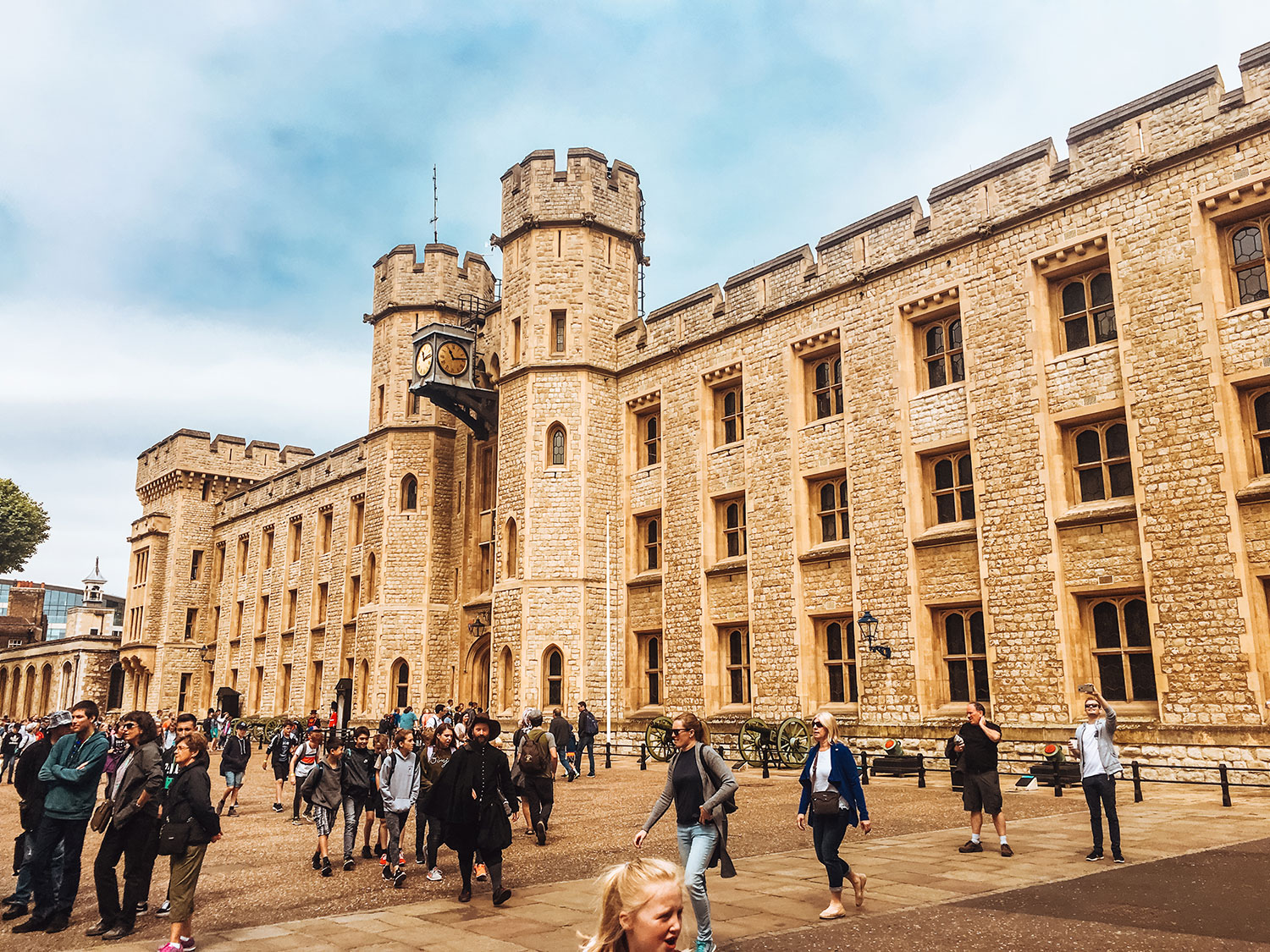 london, great britain, uk, united kingdo, tower of london, history, palaces, british palaces, british castles, wanderlust, traveler, solo traveler, girl solo travel